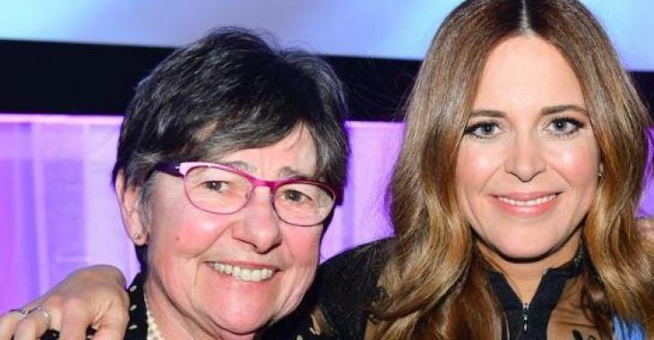 Julie Snyder donne de nouveaux déchirants détails sur le décès de sa mère