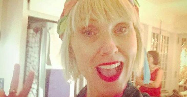 Pénélope McQuade partage un message haineux qu'elle a reçu au sujet de ses seins