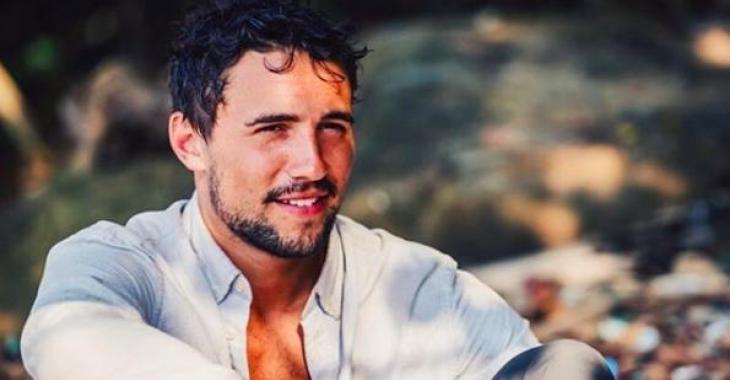 Des images d'Olivier Dion complètement nu en train de prendre sa douche font le tour du Web