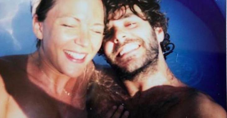 Alex Nevsky et Vanessa Pilon publient une nouvelle magnifique photo, à quelques jours de l'accouchement