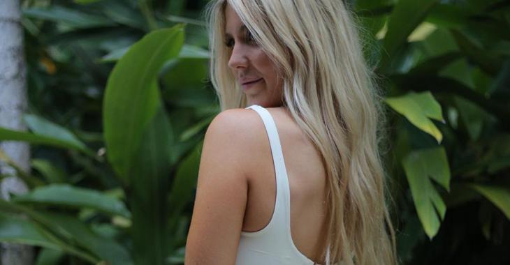 Béatrice Bouchard frappe encore avec une photo de ses fesses pratiquement nues