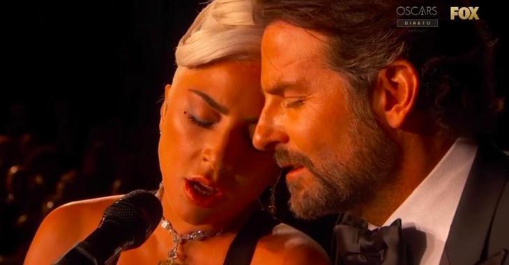 À VOIR: Lady Gaga et Bradley Cooper mettent le feu aux Oscars avec une performance incroyable