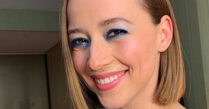 Karine Vanasse reçoit un commentaire inacceptable d'un internaute et elle répond de la meilleure des façons