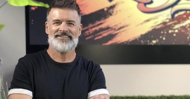 Roch Voisine a rasé sa barbe et les médias sociaux s'enflamment