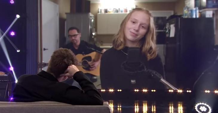 La fille de Vincent Vallières chante pour la 1re fois à la télévision et c'est fou comme elle a du talent