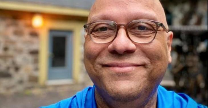 Josélito Michaud explique comment il a perdu tous ses cheveux d'un seul coup
